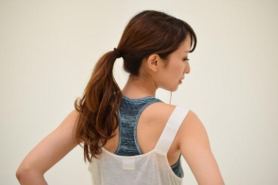 肩甲骨背中痛12.jpg