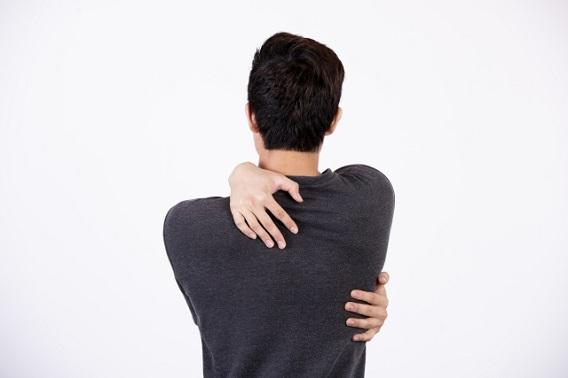 肩甲骨背中痛13.jpg
